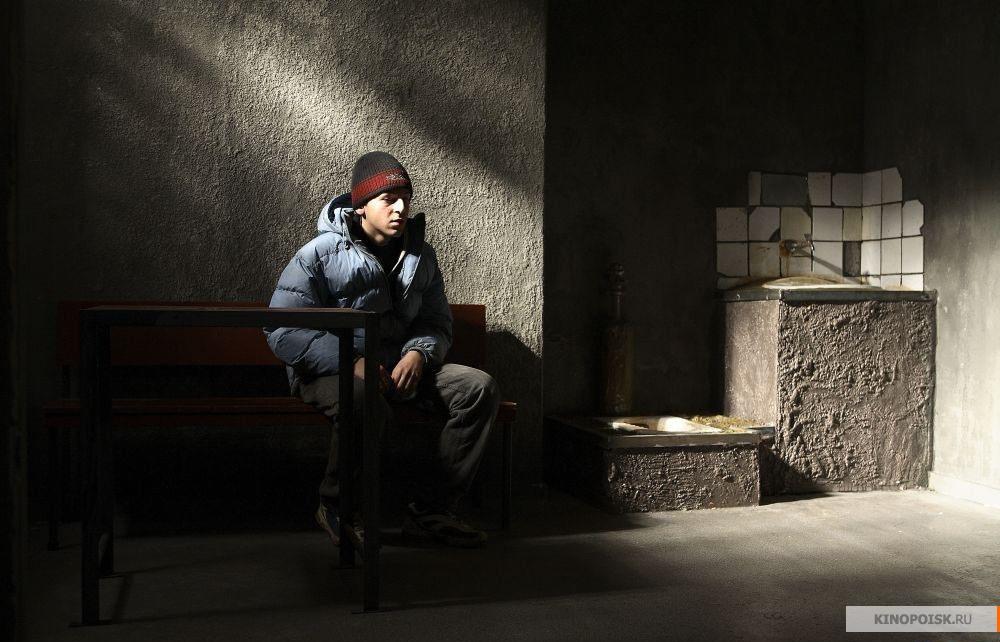 Кадр из фильма 12 (Двенадцать), 2007 год (24)