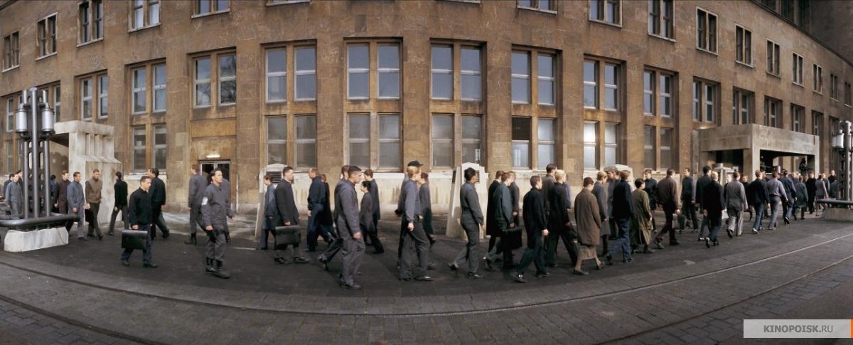 Кадр из фильма Эквилибриум, 2002 год (01)