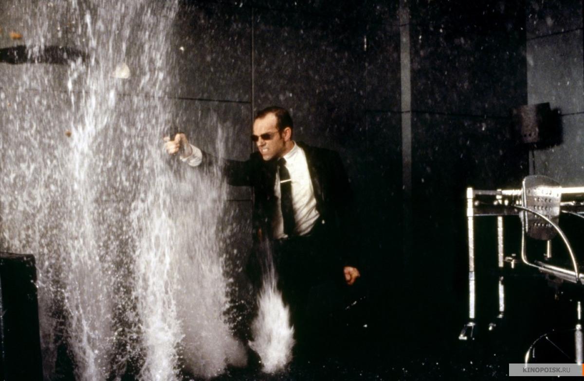 Кадр из фильма Матрица, 1999 год (03)