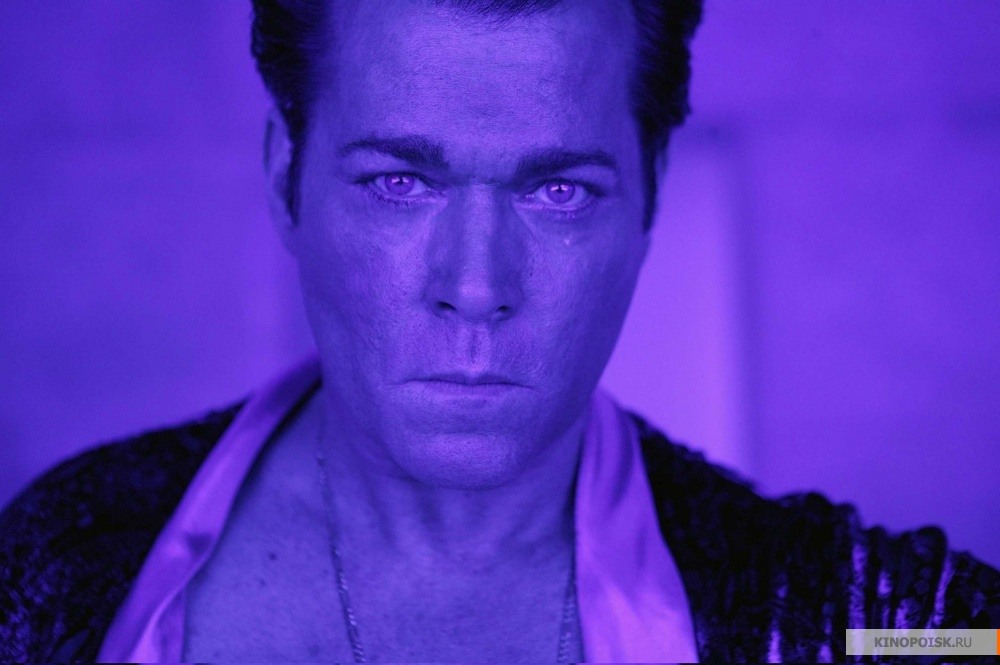 Кадр из фильма Револьвер, 2005 год (03)