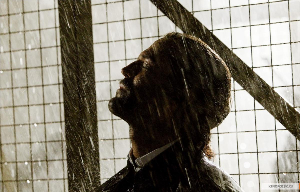 Кадр из фильма Револьвер, 2005 год (08)