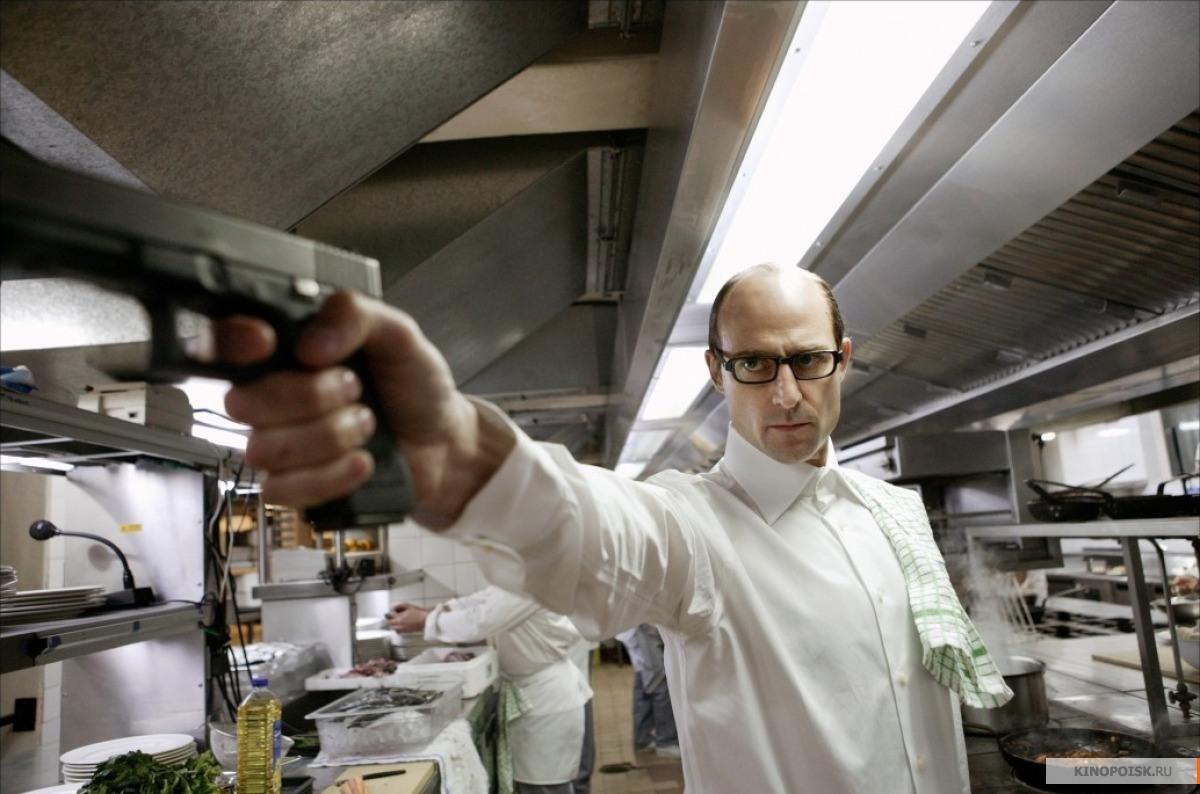 Кадр из фильма Револьвер, 2005 год (12)