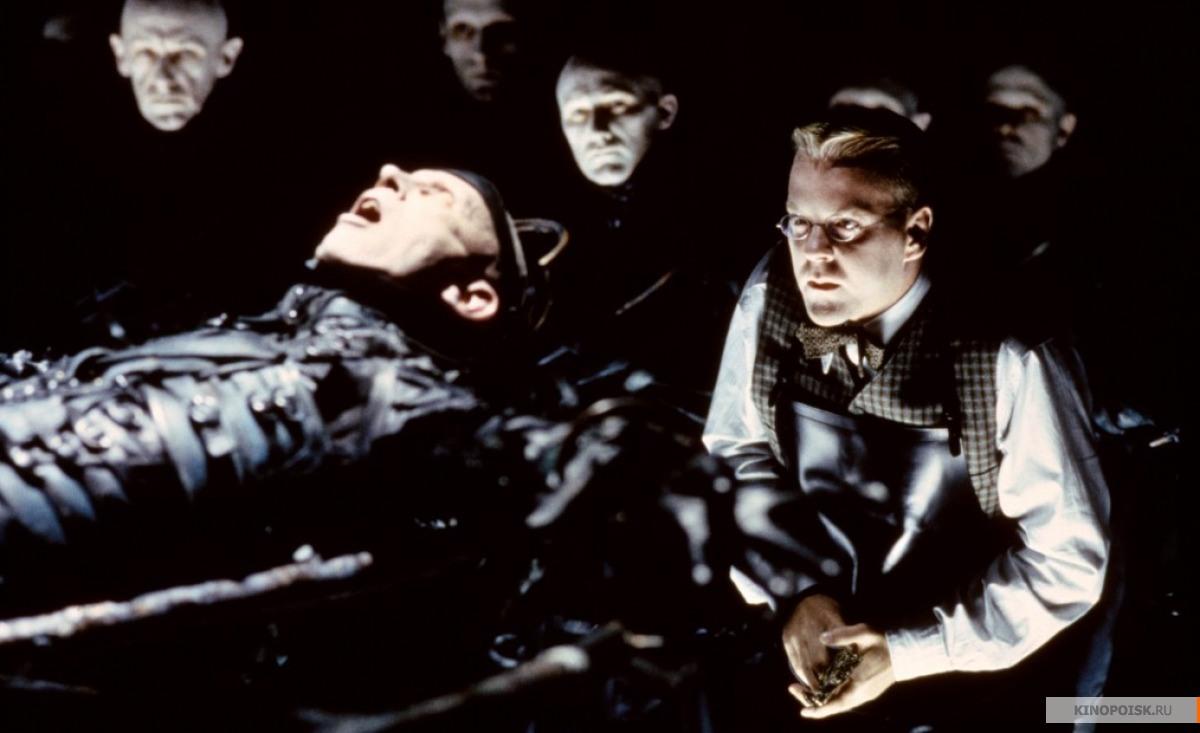 Кадр из фильма Тёмный город, 1998 год (04)