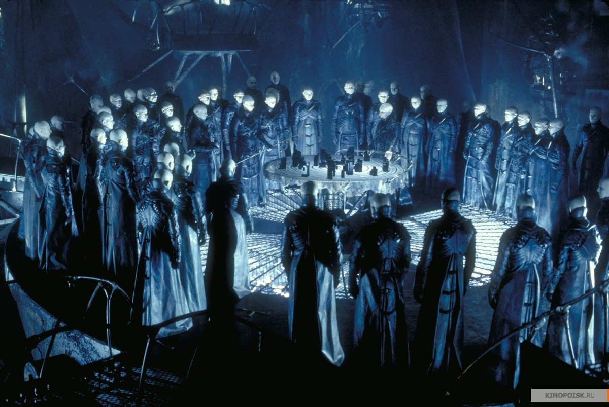 Кадр из фильма Тёмный город, 1998 год (06)