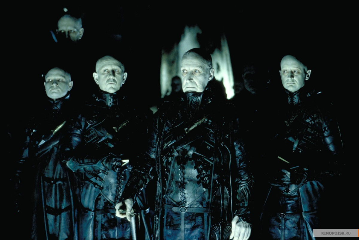 Кадр из фильма Тёмный город, 1998 год (07)