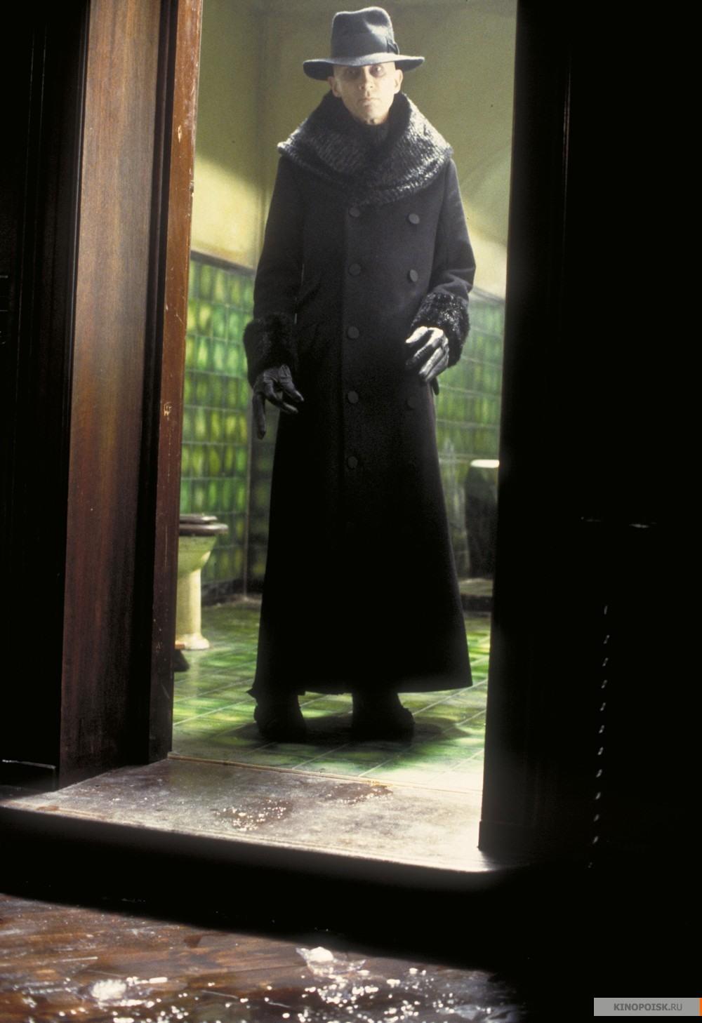 Кадр из фильма Тёмный город, 1998 год (12)