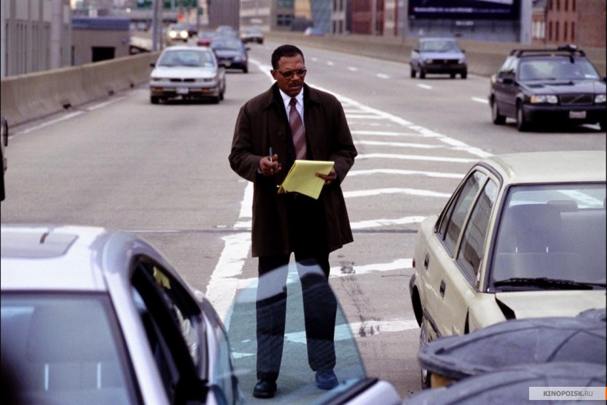 Кадр из фильма В чужом ряду, 2002 год (03)