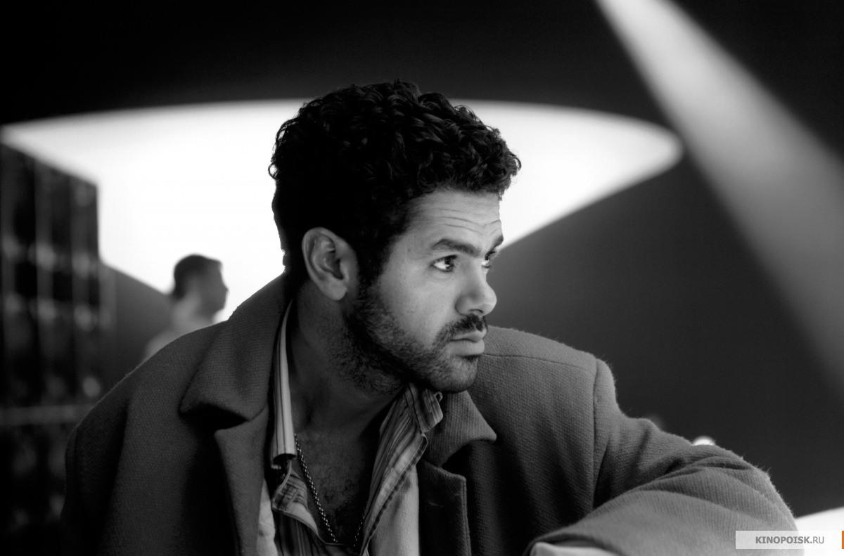 Кадр из фильма Ангел-А, 2005 год (05)