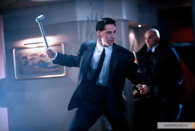 Кадр из фильма Джонни Мнемоник, 1995 год (05)