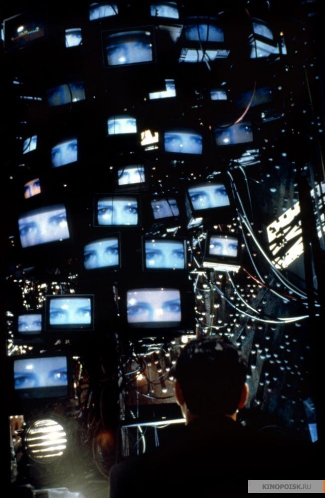 Кадр из фильма Джонни Мнемоник, 1995 год (15)