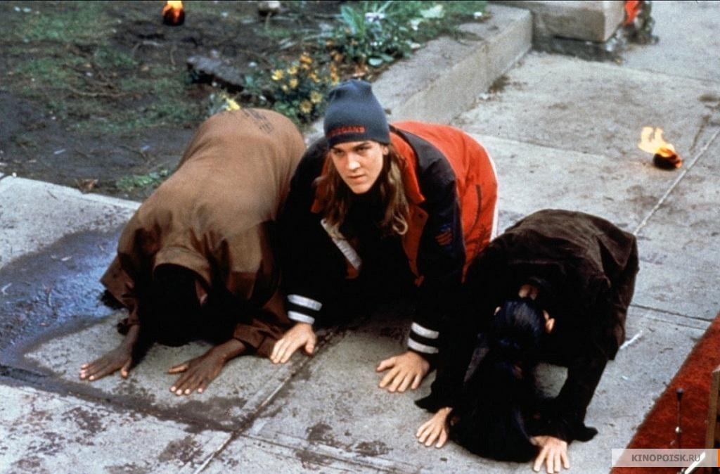 Кадр из фильма Догма, 1999 год (01)