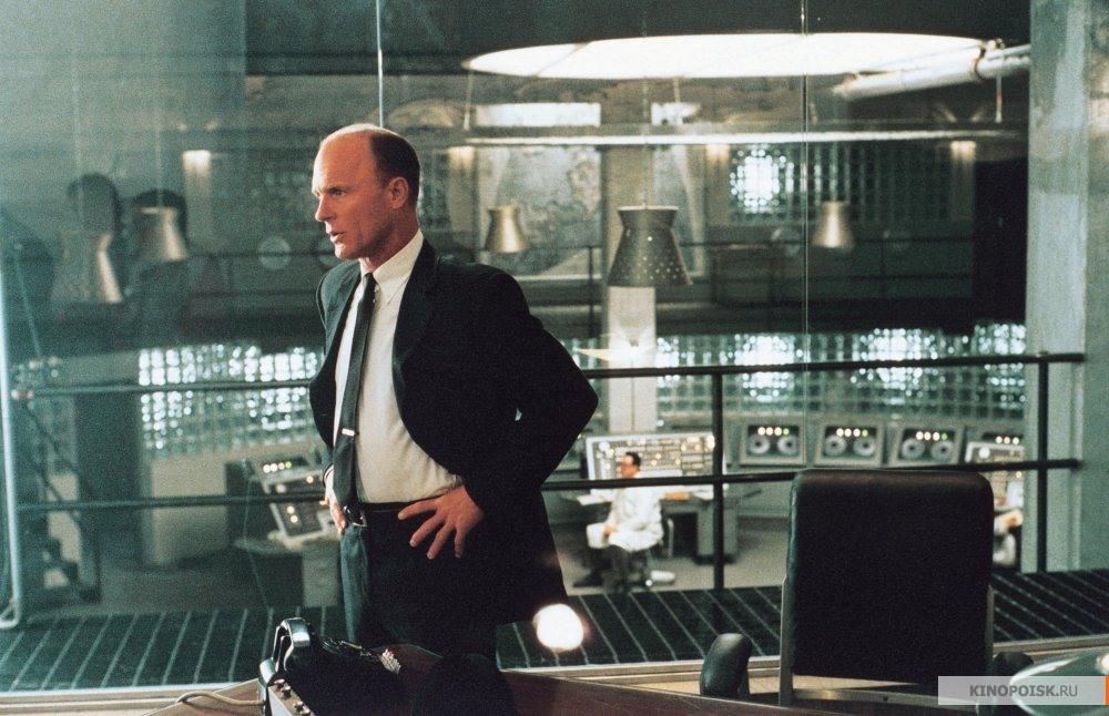 Кадр из фильма Игры разума, 2001 год (06)