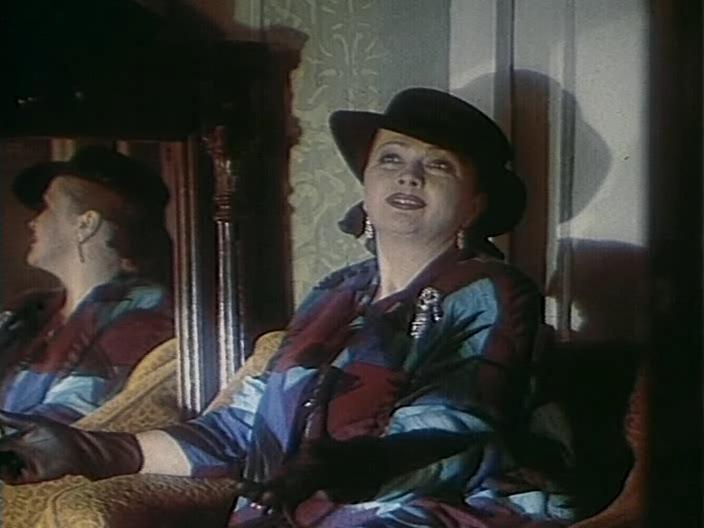 Кадр из фильма Искушение Б., 1990 год (01)