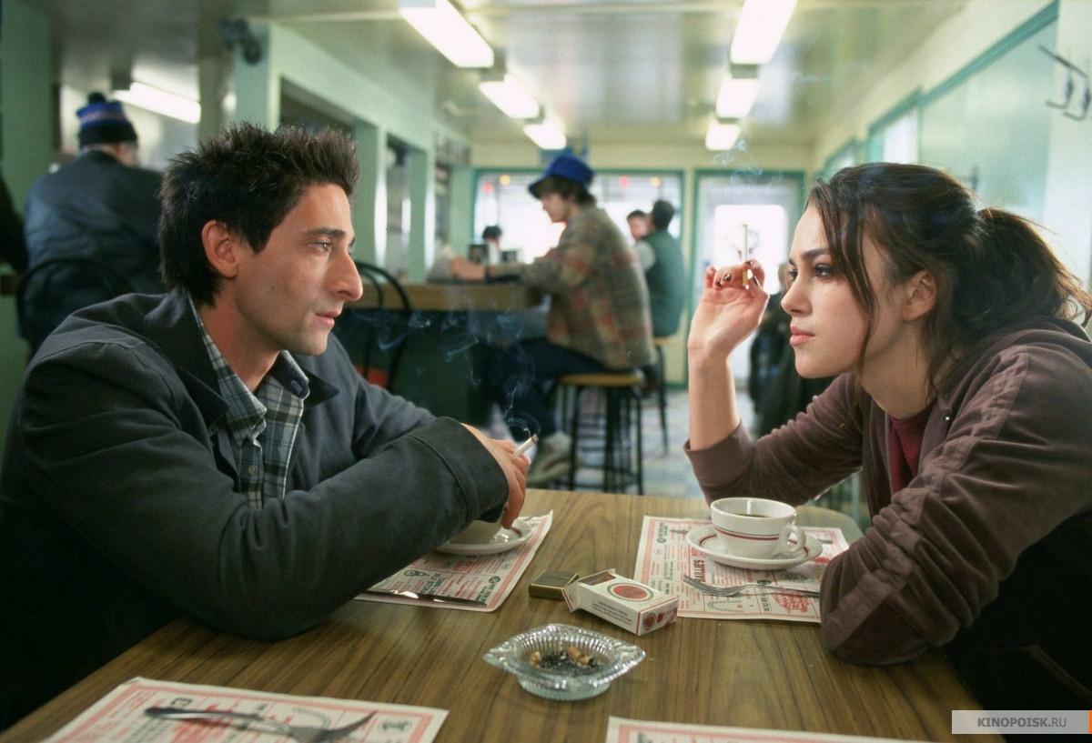 Кадр из фильма Пиджак, 2004 год (01)