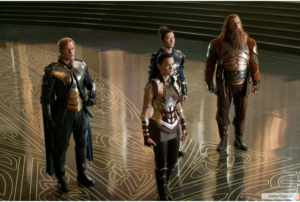 Кадр из фильма Тор, 2011 год (01)