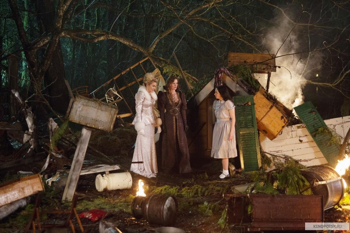 Кадр из сериала Однажды в сказке, 2011 год (01)