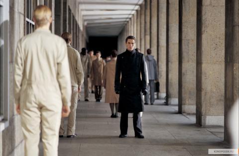 Кадр из фильма Эквилибриум, 2002 год (09)