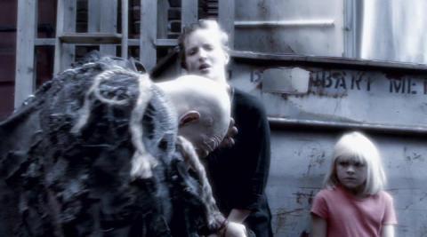 Кадр из фильма Инк (Чернила), 2009 год (08)