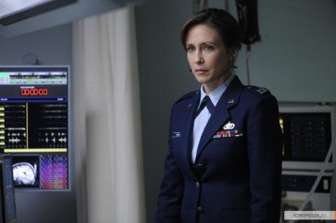 Кадр из фильма Исходный код, 2011 год (05)