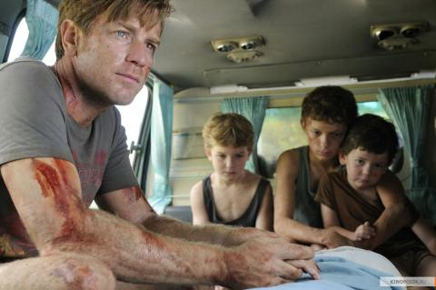 Кадр из фильма Невозможное, 2012 год (12)