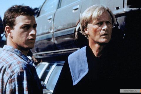 Кадр из фильма Перекрёсток миров, 1997 год (10)