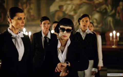 Кадр из фильма Револьвер, 2005 год (09)
