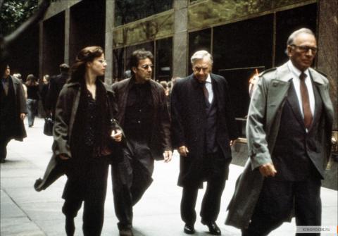 Кадр из фильма Свой человек, 1999 год (03)