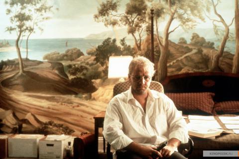Кадр из фильма Свой человек, 1999 год (08)