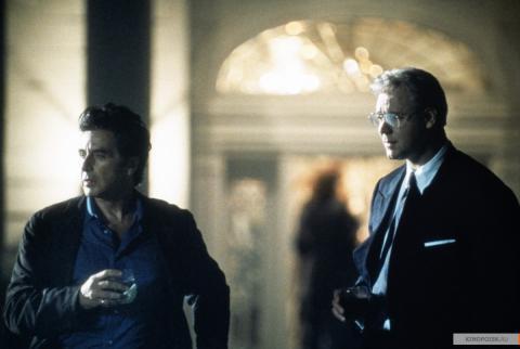 Кадр из фильма Свой человек, 1999 год (11)