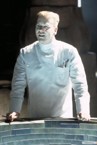 Кадр из фильма Тёмный город, 1998 год (10)