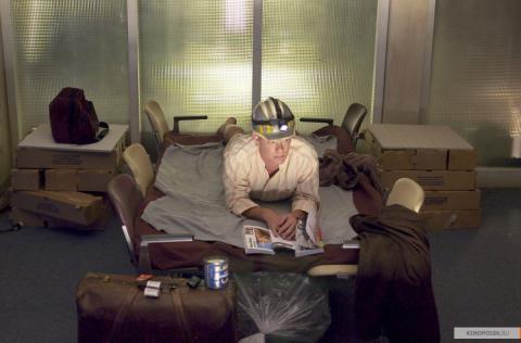 Кадр из фильма Терминал, 2004 год (07)