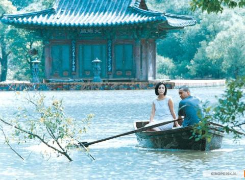 Кадр из фильма Весна, лето, осень, зима... и снова весна, 2003 год (17)