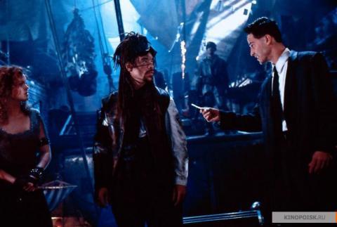 Кадр из фильма Джонни Мнемоник, 1995 год (06)
