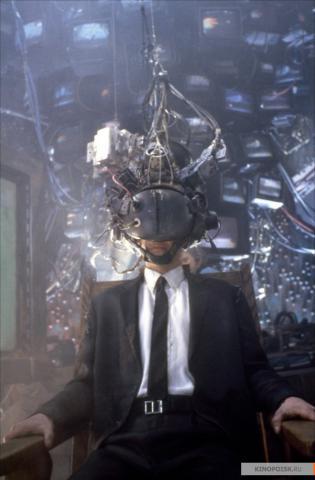 Кадр из фильма Джонни Мнемоник, 1995 год (16)