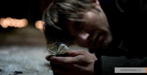 Кадр из фильма Дверь, 2009 год (01)