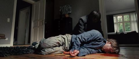 Кадр из фильма Дверь, 2009 год (10)