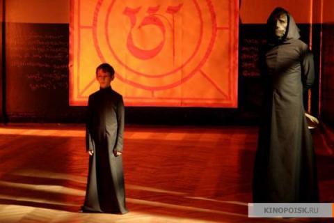 Кадр из фильма Гадкие лебеди, 2006 год (02)