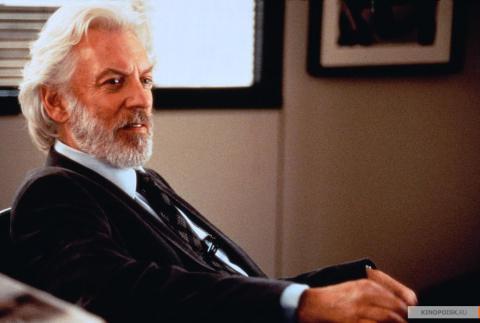 Кадр из фильма Инстинкт, 1999 год (01)