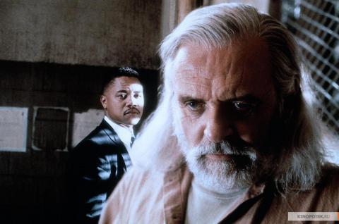 Кадр из фильма Инстинкт, 1999 год (09)
