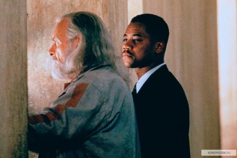 Кадр из фильма Инстинкт, 1999 год (15)