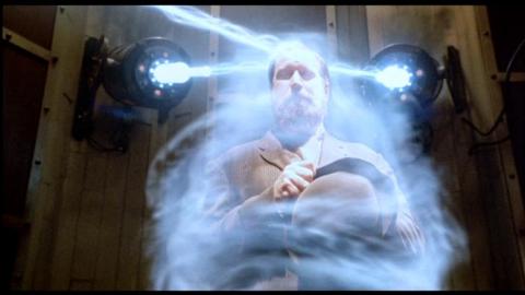 Кадр из фильма Изменяющий время (Преобразователь времени), 2002 год (05)