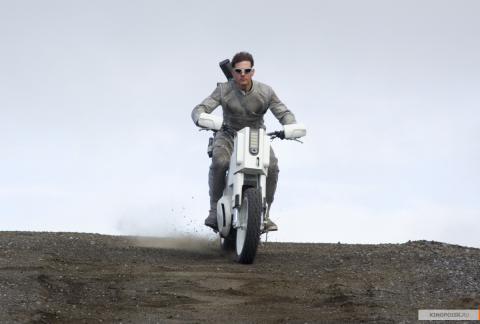 Кадр из фильма Обливион, 2013 год (09)