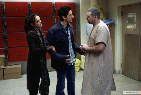 Кадр из фильма Пиджак, 2004 год (07)