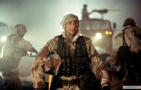 Кадр из фильма Пиджак, 2004 год (09)