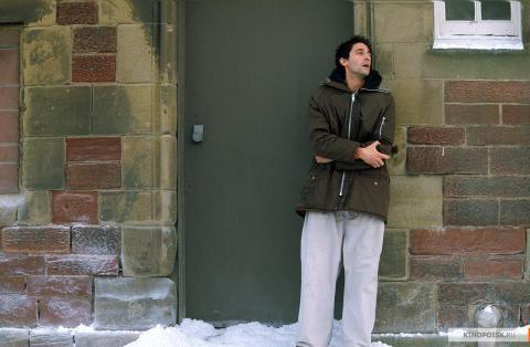Кадр из фильма Пиджак, 2004 год (14)