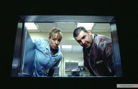 Кадр из фильма Пиджак, 2004 год (18)