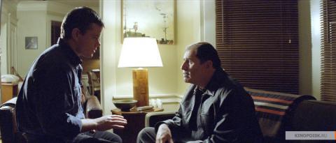 Кадр из фильма Потустороннее, 2010 год (07)