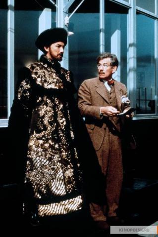 Кадр из фильма Тень, 1994 год (01)