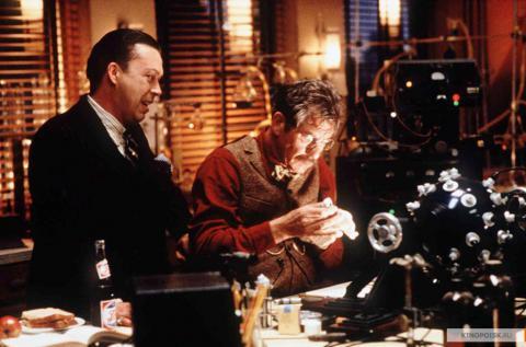 Кадр из фильма Тень, 1994 год (09)