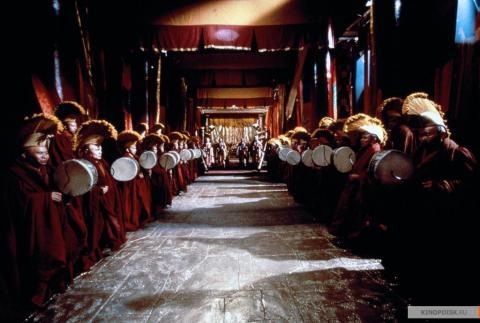 Кадр из фильма Тень, 1994 год (11)